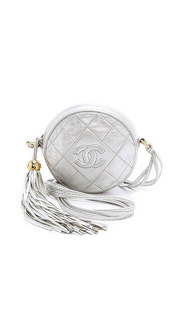 d8b9441713cc WGACA Vintage Винтажная круглая сумка Chanel с кисточкой | SHOPBOP