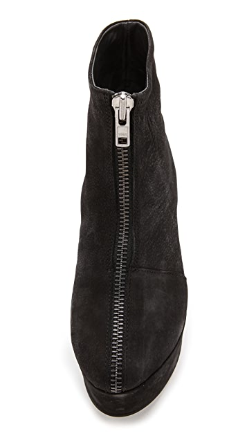 Won Hundred Wing Wedge Booties