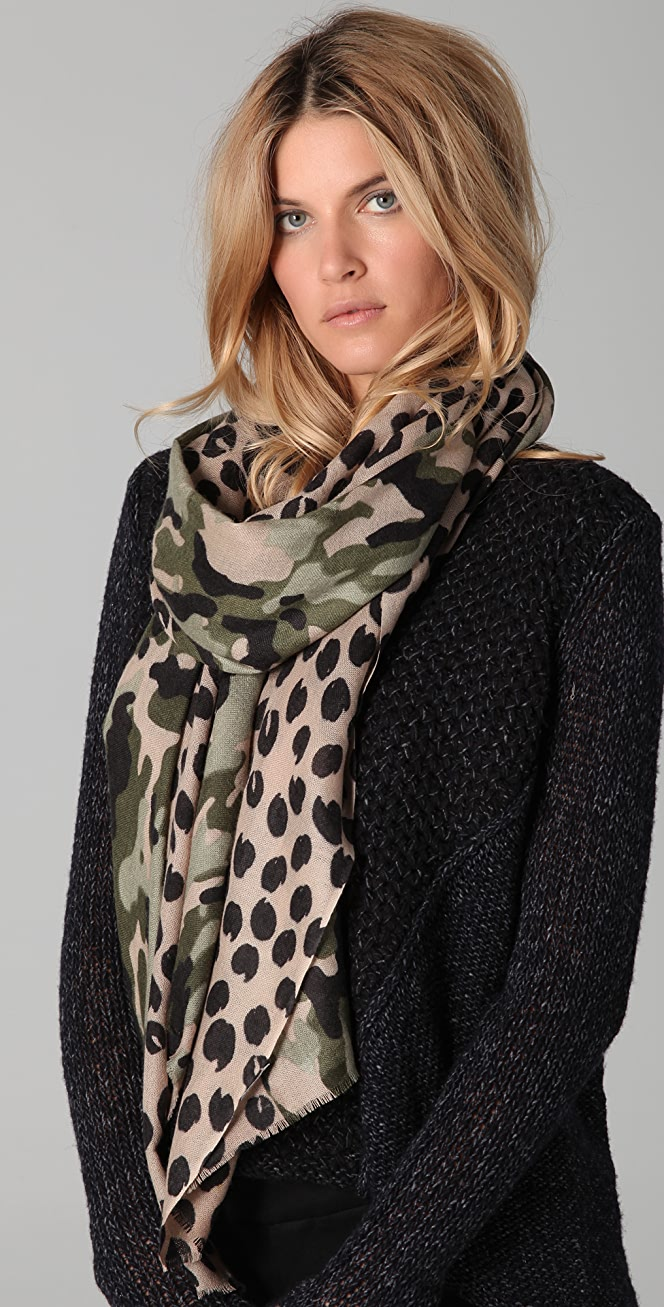 Leopard skin on white with colored dots Fleece Scarf