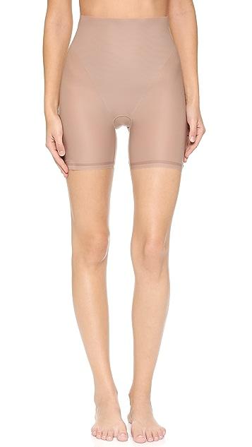 Yummie Aura Mid Waist Shorts
