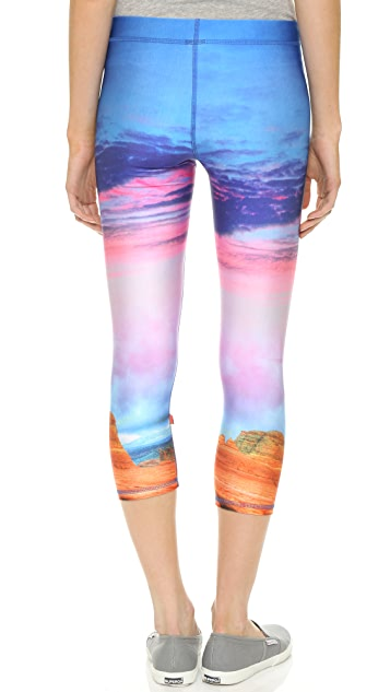 Terez Utah Performance Capri Leggings