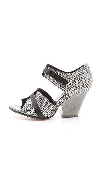 Zero + Maria Cornejo Edi Sandals