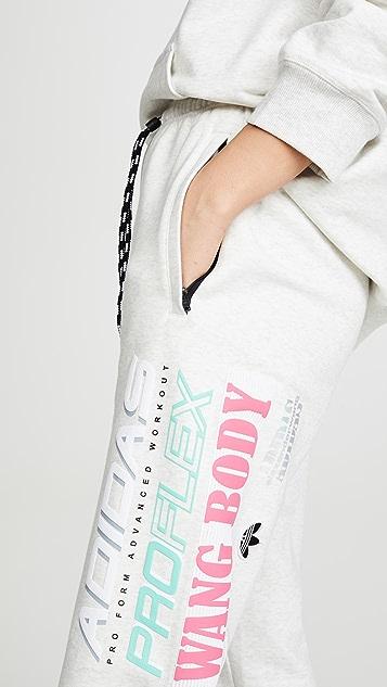 adidas Originals by Alexander Wang Брюки для бега с графическим рисунком