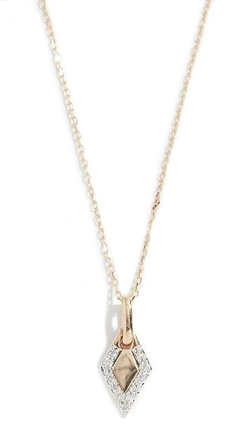 Adina Reyter Колье из 14-каратного золота с миниатюрным бриллиантом в закрепке паве и собачьей биркой