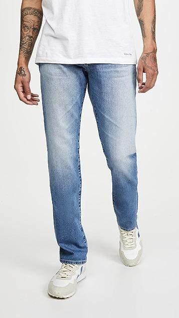 AG The Graduate Jeans