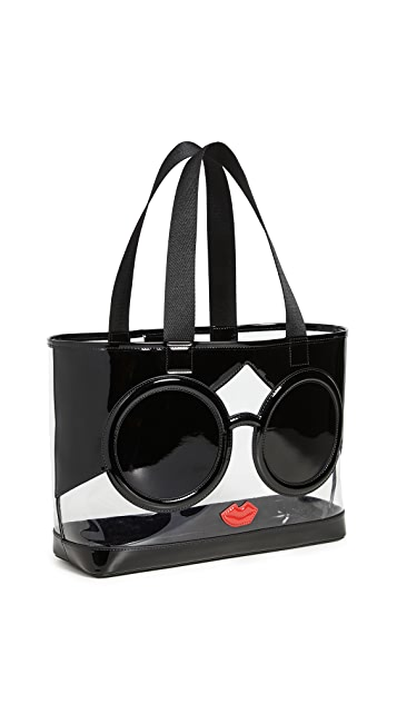 alice + olivia Объемная сумка с короткими ручками из ПВХ Becca Stacey Face