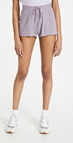Alo Yoga - Daze 短裤