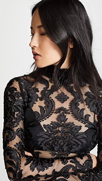Gorgeous lace top