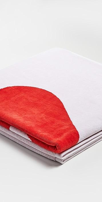 AMI Ami De Coeur Beach Towel