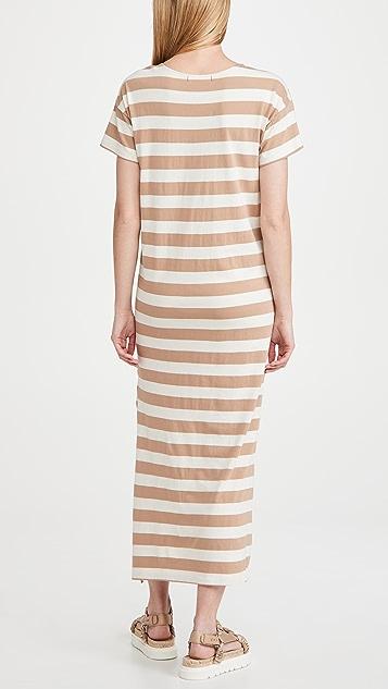 AMO 条纹 T 恤式连衣裙