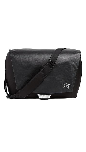 2284e8364b1d Arc Teryx Fyx 13 Bag