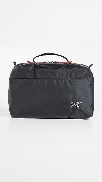 Arc'Teryx Index 5 + 5 Travel Kit