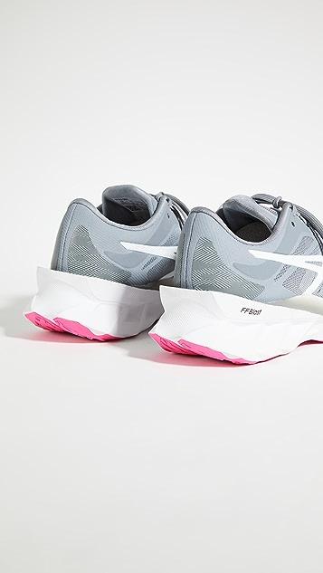 Asics Novablast Sneakers