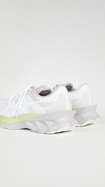 Asics Novablast Modern Tokyo 运动鞋