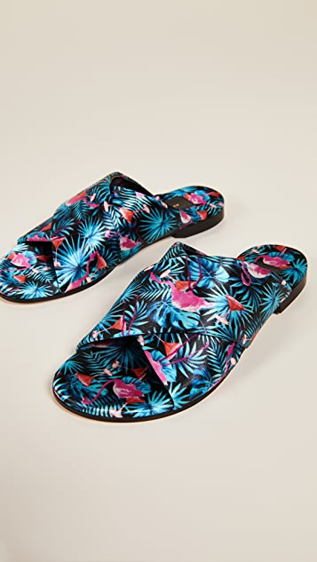 Avec Moderation Honolulu Crisscross Slide