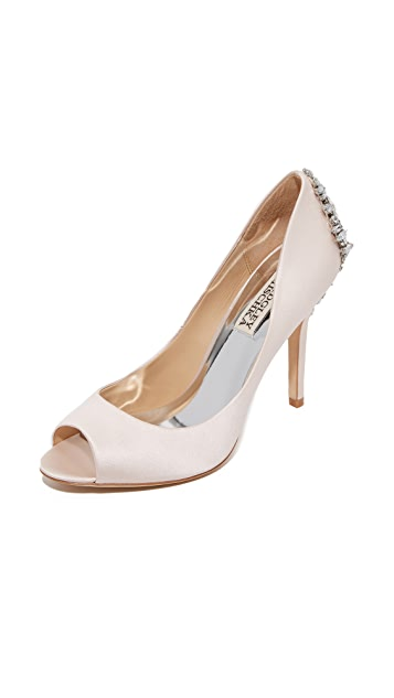Badgley Mischka Nilla Pumps