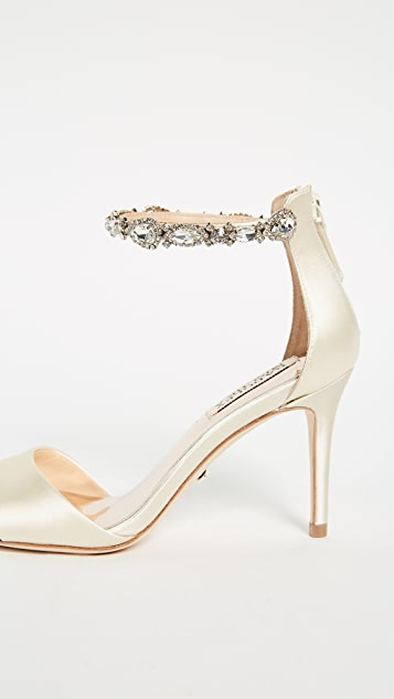 Badgley Mischka Sindy Ankle Strap Sandals
