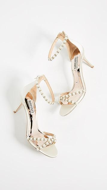 Badgley Mischka Hannah Imitation Pearl Sandals