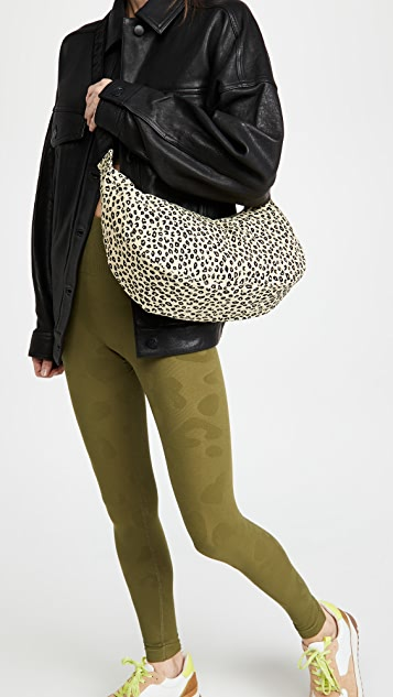BAGGU Medium Nylon Crescent Bag