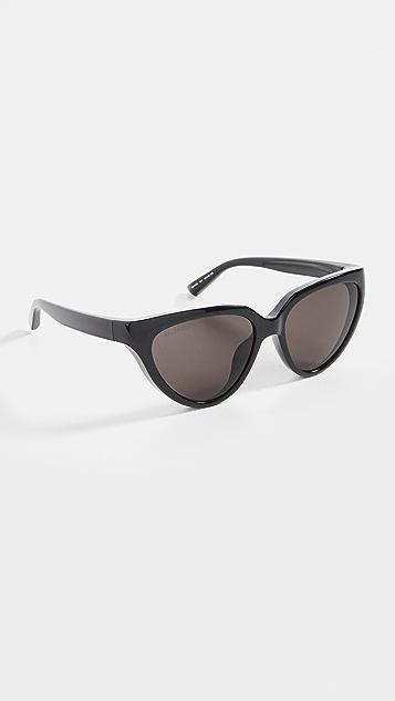 Balenciaga 经典徽标猫眼太阳镜