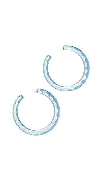 BaubleBar Крупные текстурированные серьги-кольца из люцита