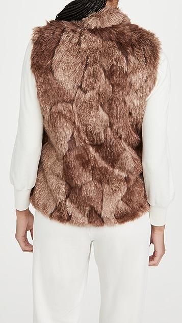 BB Dakota Fur What It's Worth 人造皮毛马甲