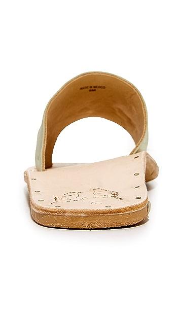 beek Mockingbird Slides