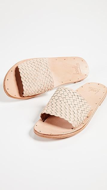 beek Osprey Slide Sandals