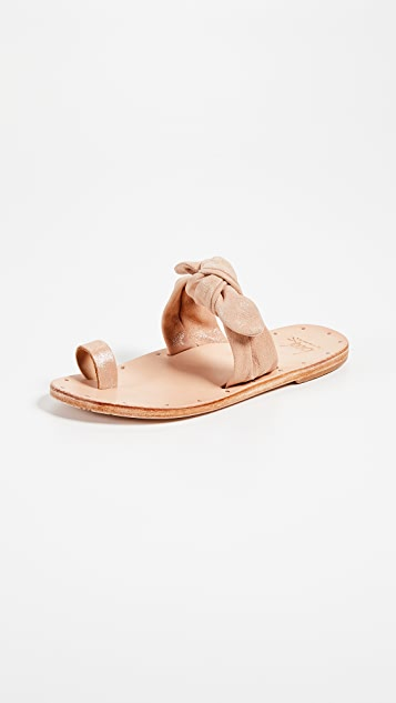 beek Lory Slide Sandals