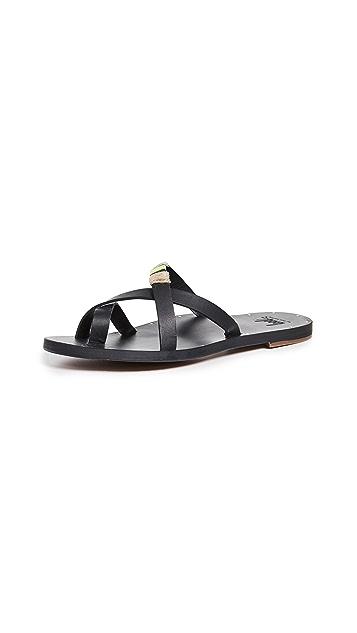 beek Pintail Sandals