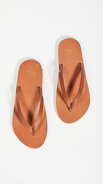 beek Seabird Flip Flops