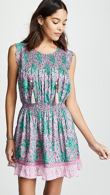 喇叭形 Piper 连衣裙