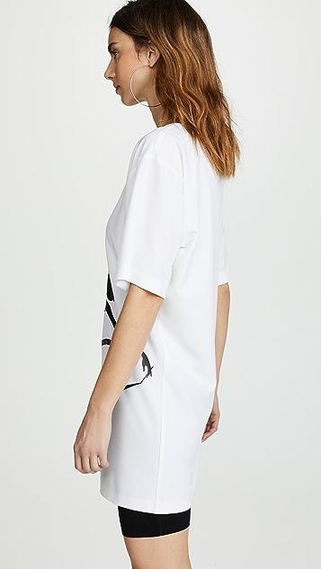 Boutique Moschino Graphic Oversize Ballerina T-Shirt Dress
