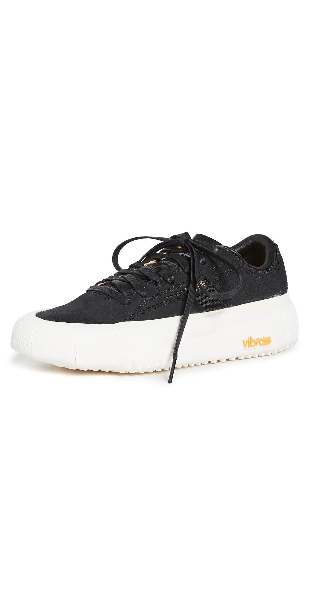 Bravo Sneakers