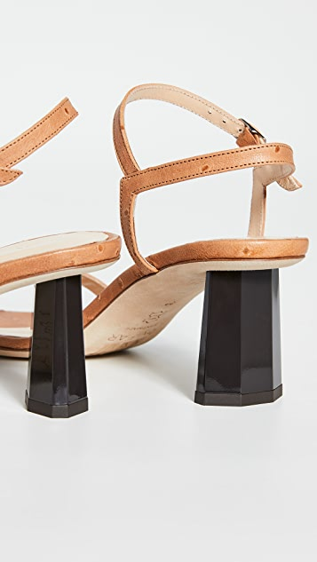 BY FAR Magnolia 凉鞋