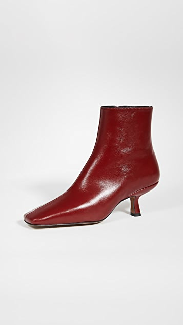 BY FAR Lange Booties