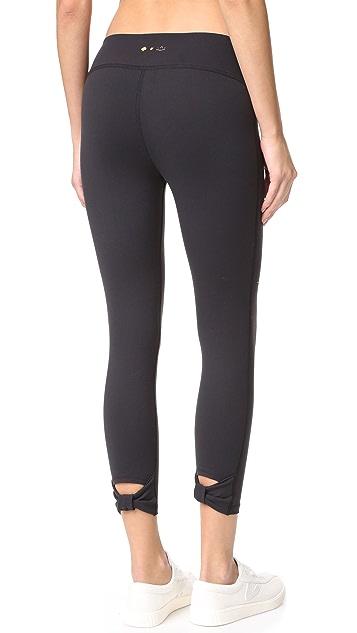 Beyond Yoga Kate Spade New York Cinched Bow Capri Leggings