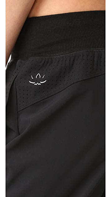 Beyond Yoga Picture Perforated Sweatpants