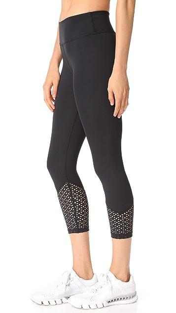 Beyond Yoga Perfect Angles Capri Leggings