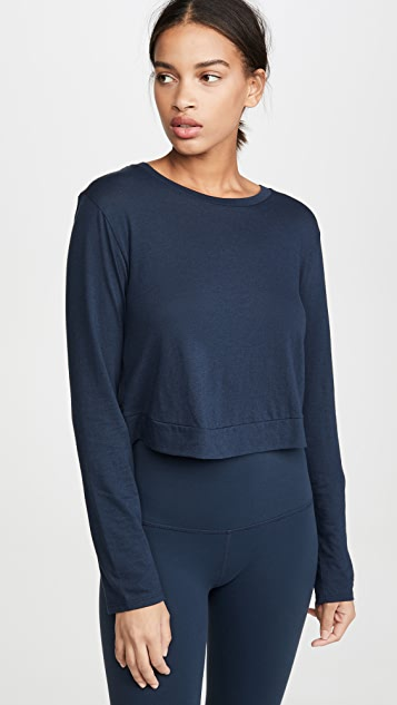 Beyond Yoga Back Out Cropped Pullover Tee