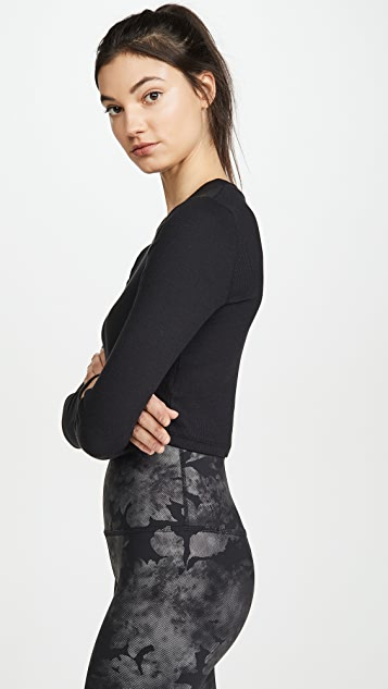 Beyond Yoga Укороченный пуловер Keep In Line