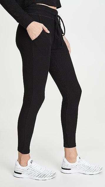 Beyond Yoga Спортивные брюки средней длины