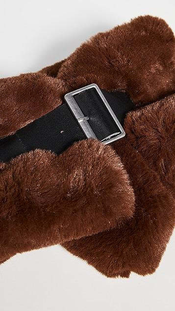 Carolina Amato Short Hair Faux Fur Collar