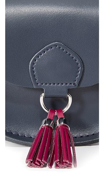 Cambridge Satchel Седельная сумка с миниатюрными кисточками