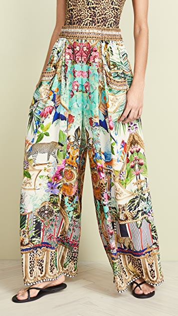 Camilla Wide Leg Pant With Gathered Pockets - Champagne Coast