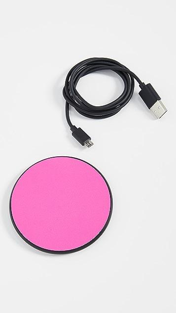Casetify Неоновое беспроводное зарядное устройство