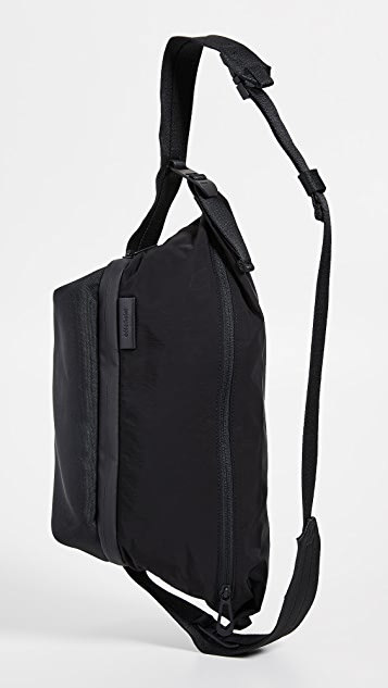 Cote & Ciel Isarau Memory Tech Messenger Bag