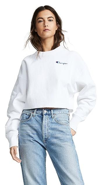 Champion Premium Reverse Weave Cropped Sweatshirt