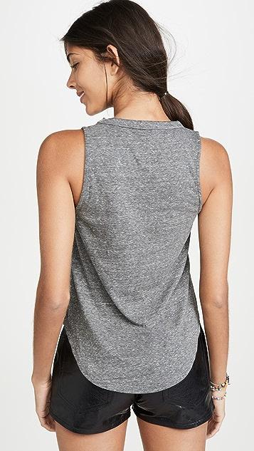 Chaser Triblend 基本款健美 T 恤
