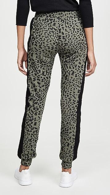 CHRLDR Спортивные брюки с плоскими карманами с леопардовым принтом
